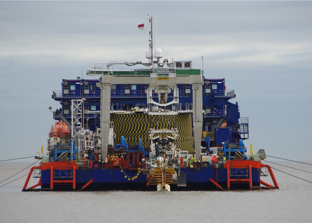 Offshore accommodation barge for charter / Built 2007, modified 2011 / 100 x 30m