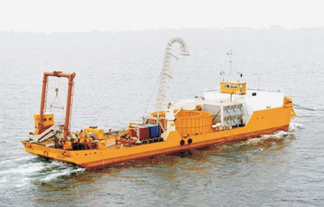 Cable installation barge / 6-point mooring system for charter or sale