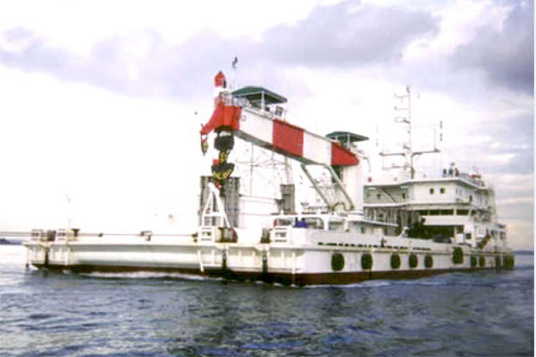 Cable barge for charter / DP, 44 berths