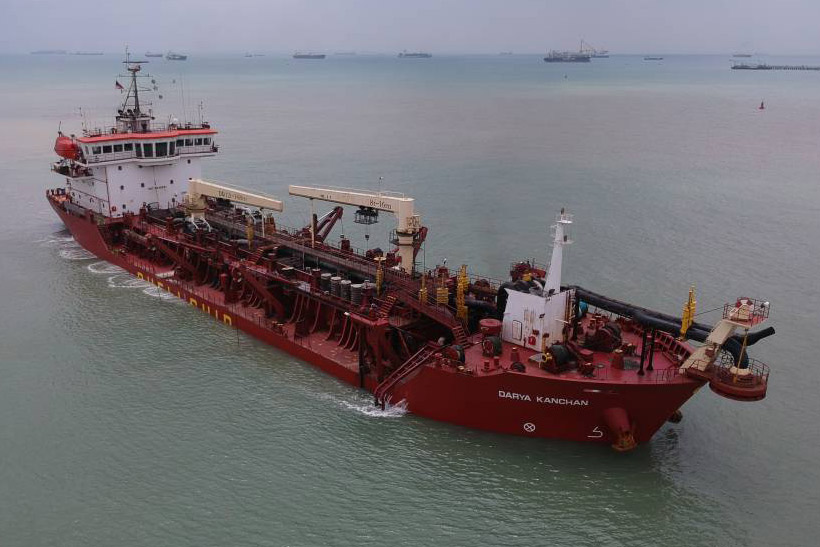 Trailing suction hopper dredger 'Darya Kanchan' for sale / 7,000m3 / Pump ashore