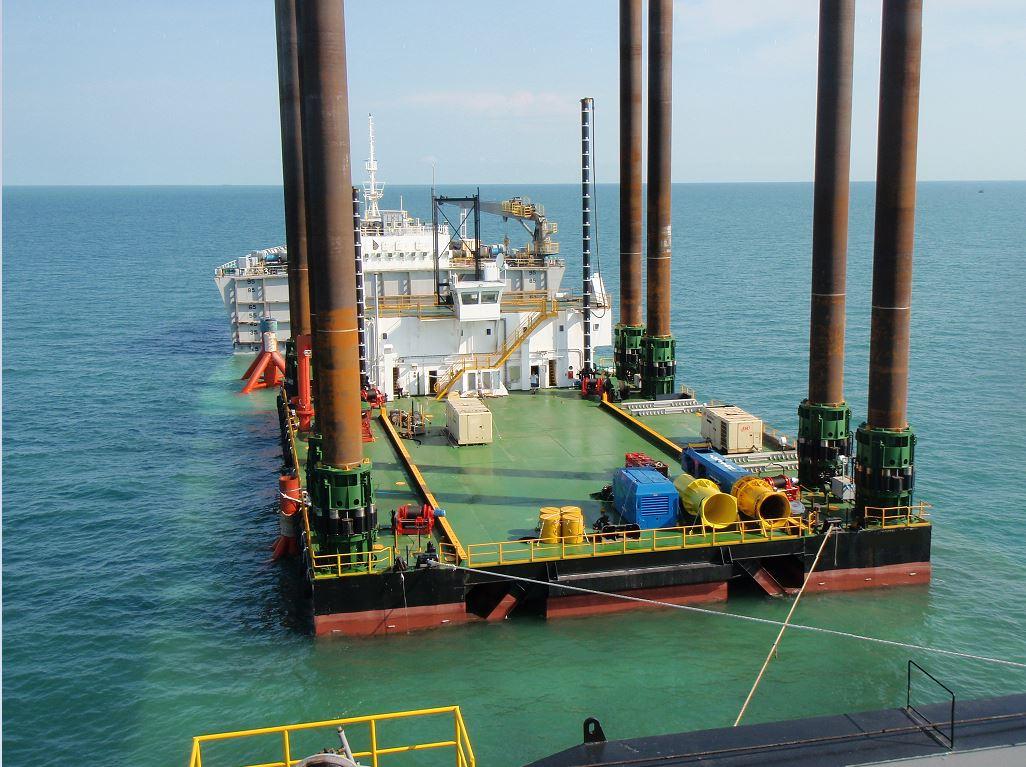 crane platform for charter 8 legs