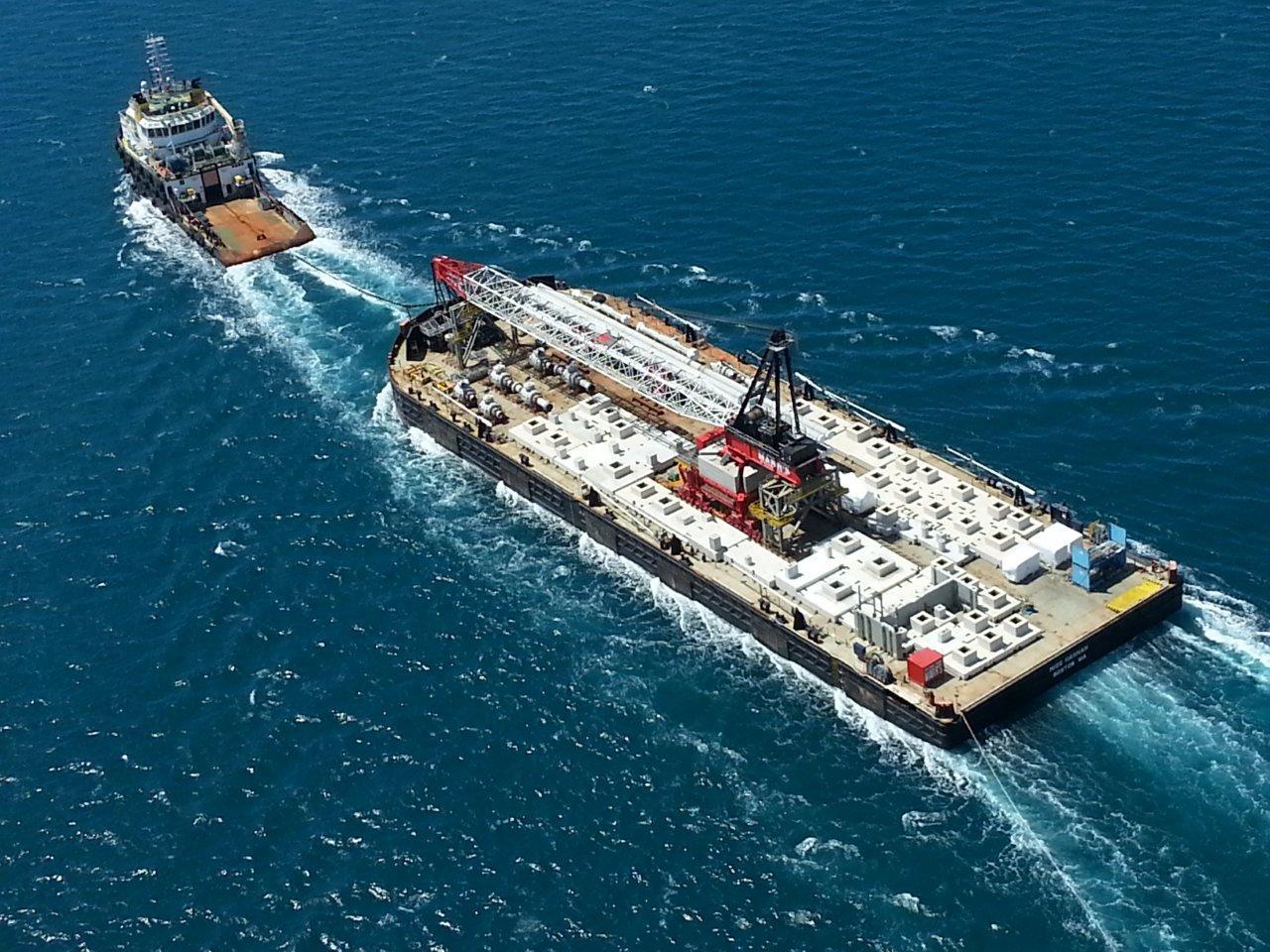 Flattop barge for sale / Built 2012 / 122 x 36m / 25t per m2 / DWT 20,000
