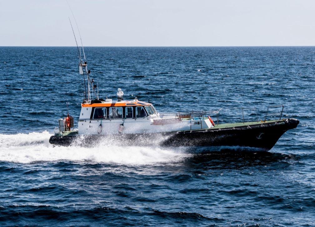 fast crew pilot at sea