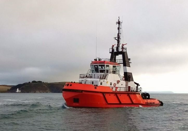 Twin Screw Voith tug available for Charter South Coast UK