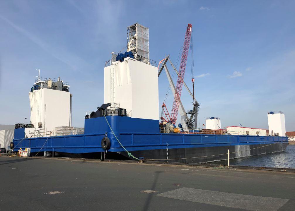 semi- submersible barge