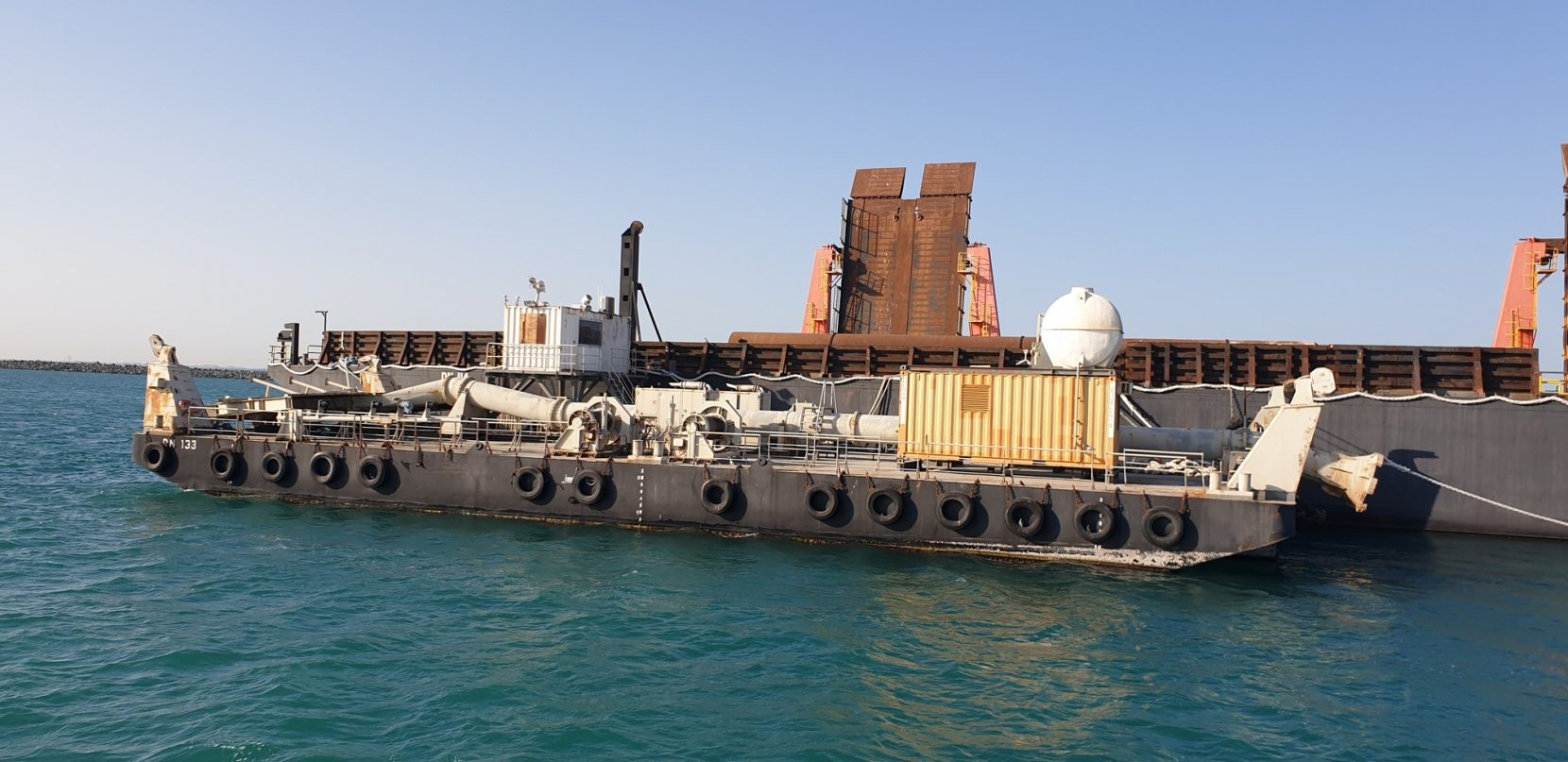 EXCLUSIVE BROKER: flattop barge 'DN133' for sale / Built 2007 / 40 x 15m / DWT 642